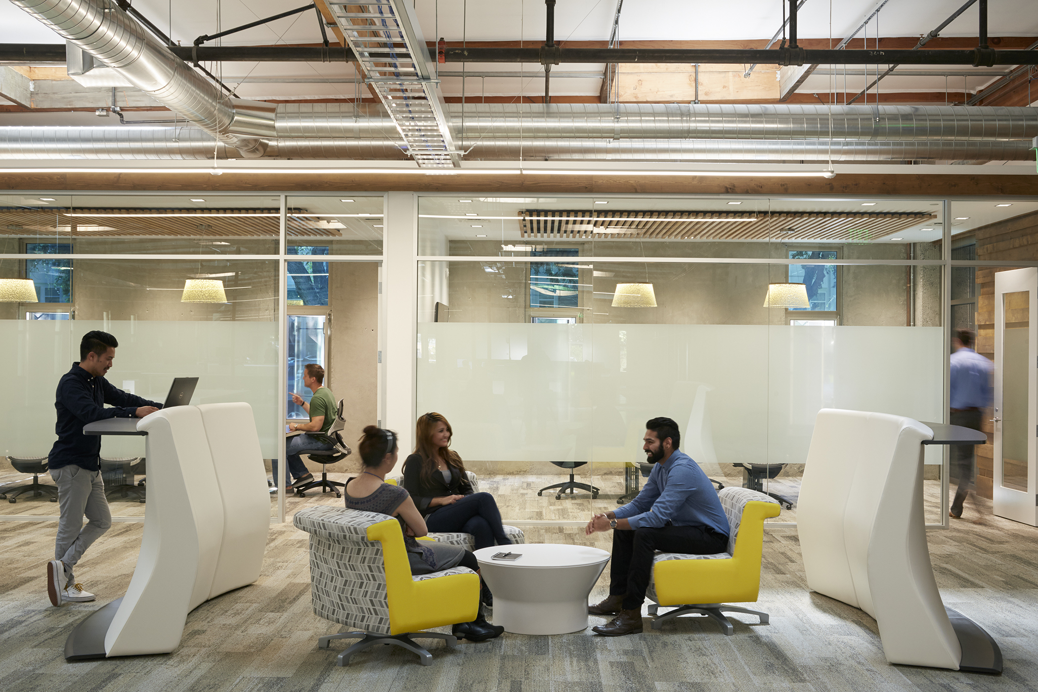10 High-Tech Office Designs that Rewrite the Rules
